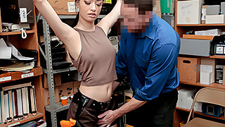Scarlett Cause to grow in Case No. 1022193 - Shoplyfter