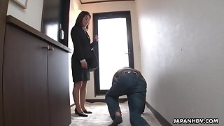Strict Japanese MILF big wheel facesits her duteous worker