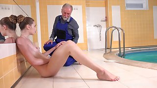 Quickie having it away by the pool between an old impoverish and X-rated Ilona C
