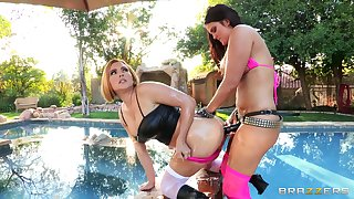 Wild outdoors FFM threesome with Krissy Lynn and Mackenzee Jade