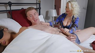 Vest-pocket Princess Eve does the nasty with her hung son-in-law